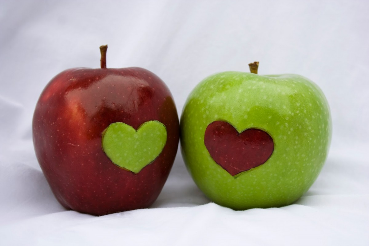heart_apples_by_chemicalyouth