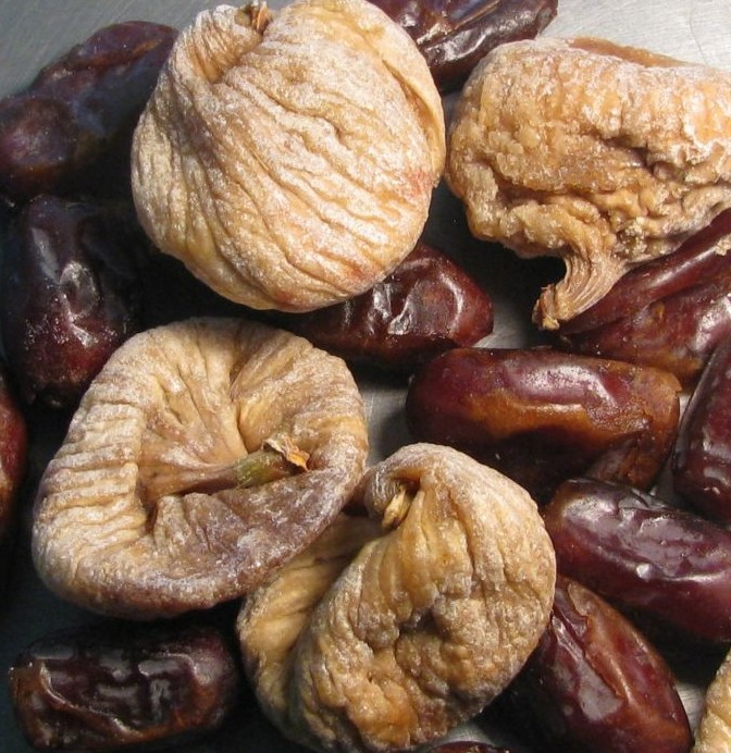 dried-figs-and-dates-comparison-934163934163