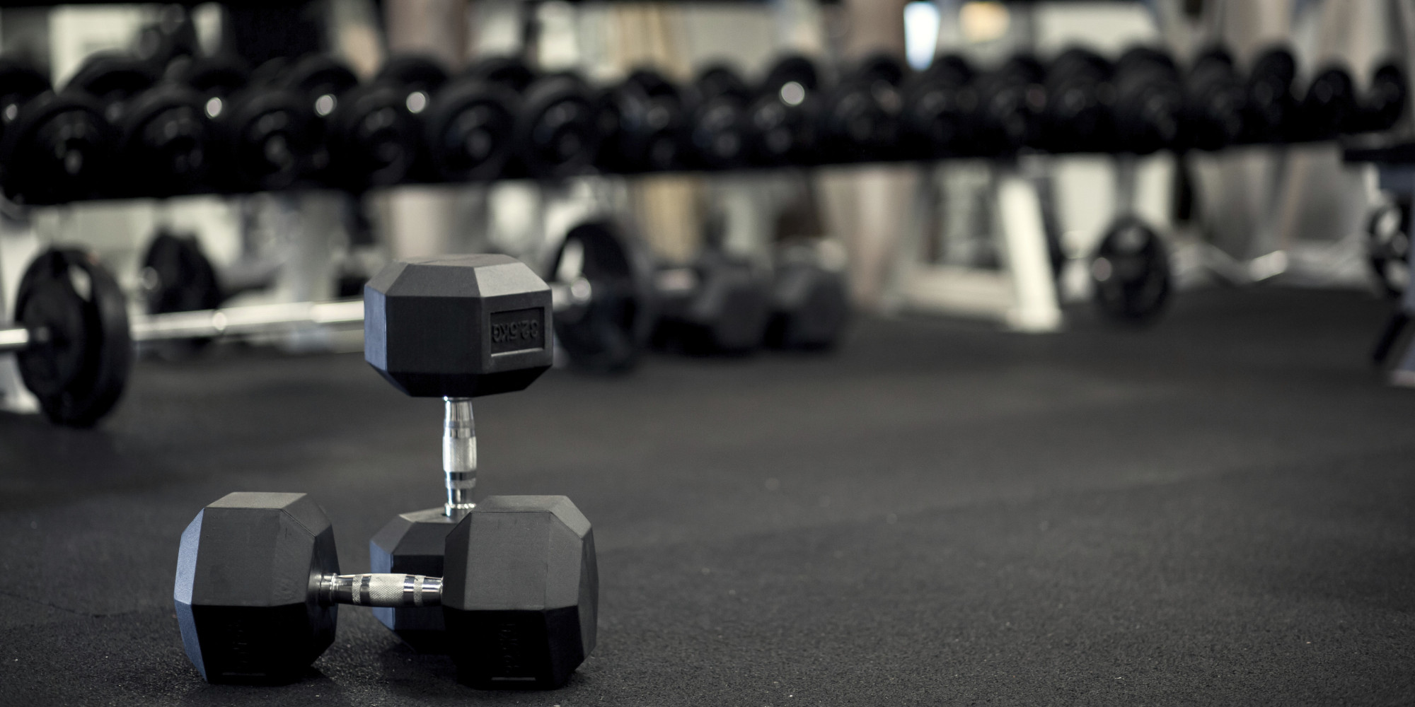 hex dumbell in gym