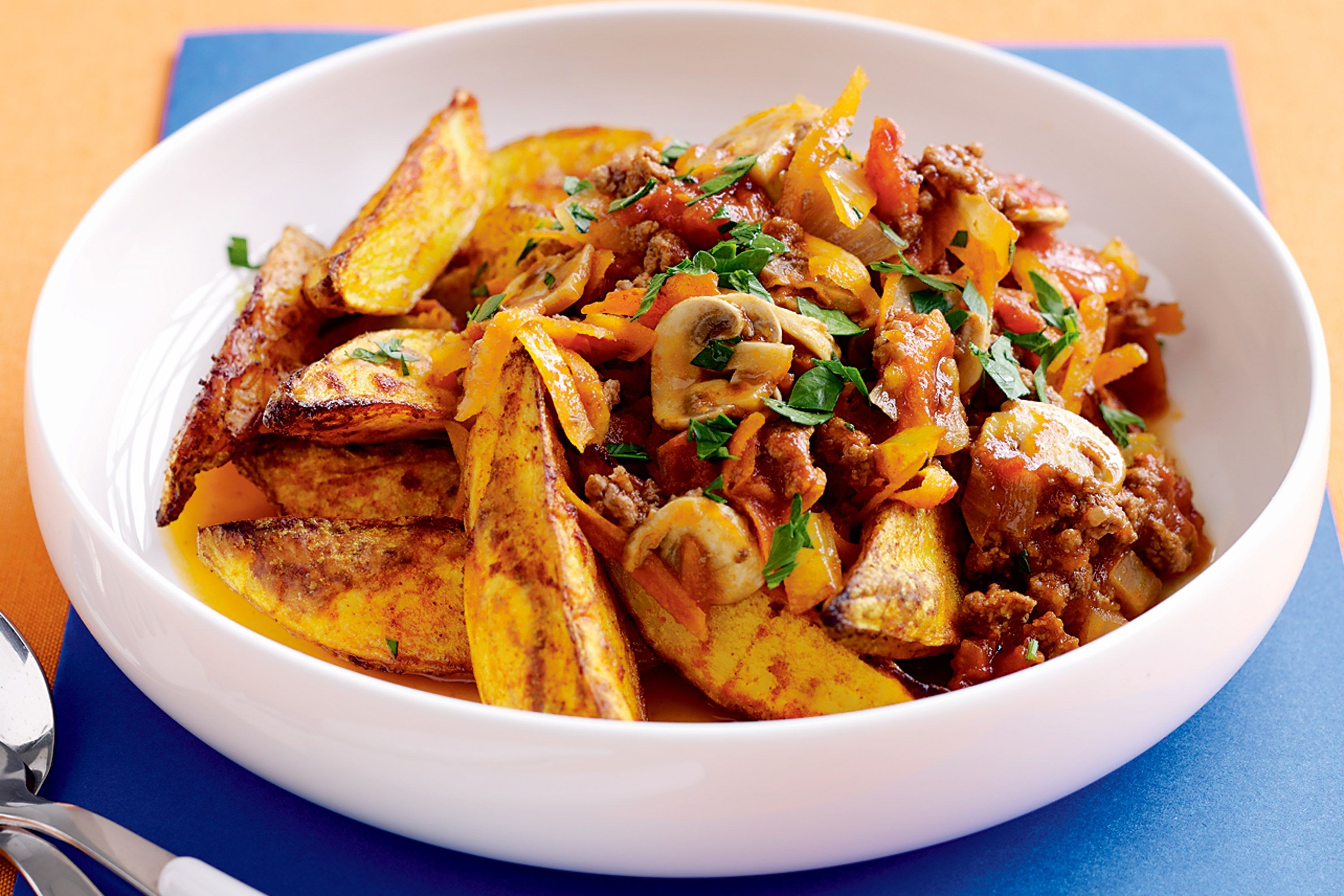savoury-mince-and-potato-wedges-69231-1